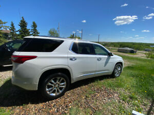 2018 Chev Traverse High Country Iridescent Pearl