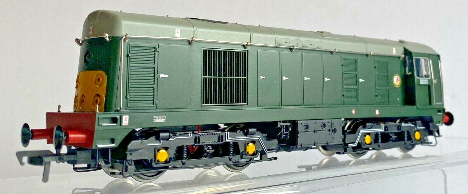 BACHuomoN 00 GAUGE  32042DC  classe 20 BR verde DIESEL D8101 DCC FITTED