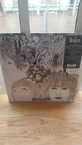 Los-Beatles-Revolver-Stereo-re-presionando