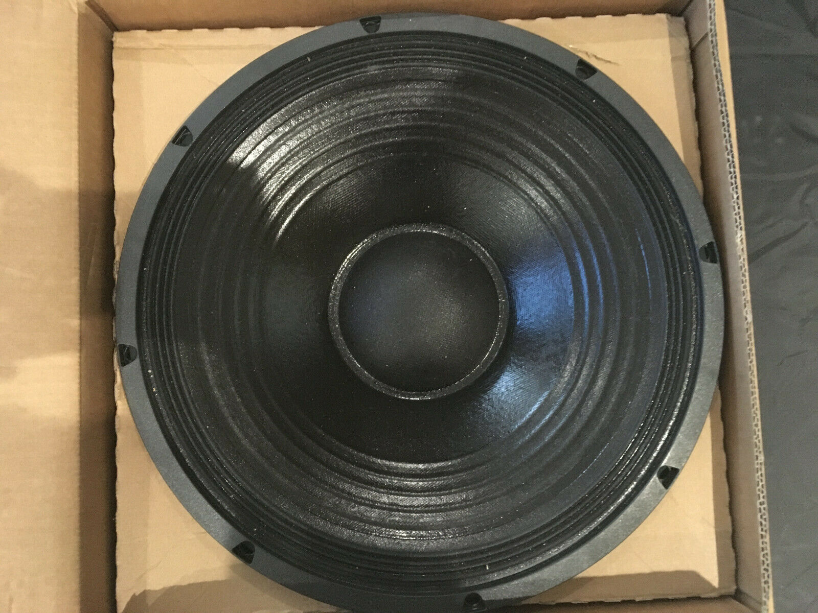 18 Sound 15MB700 15  Low Frequency Mid-Bass Speaker NEW
