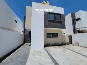 Casa en Residencial Manantiales   Alberca   200 m2 Terreno