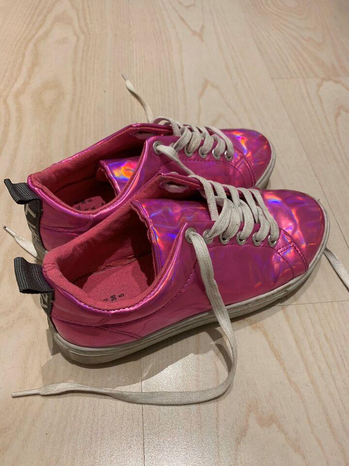 Sneakers, str. 36, Girl it