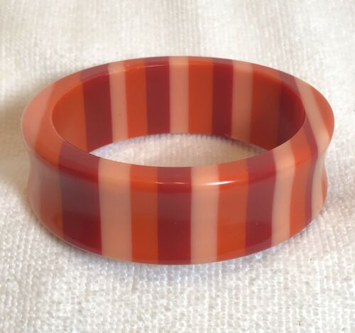 VINTAGE BRIGHT COLORFUL LUCITE PLASTIC ORANGE MELO