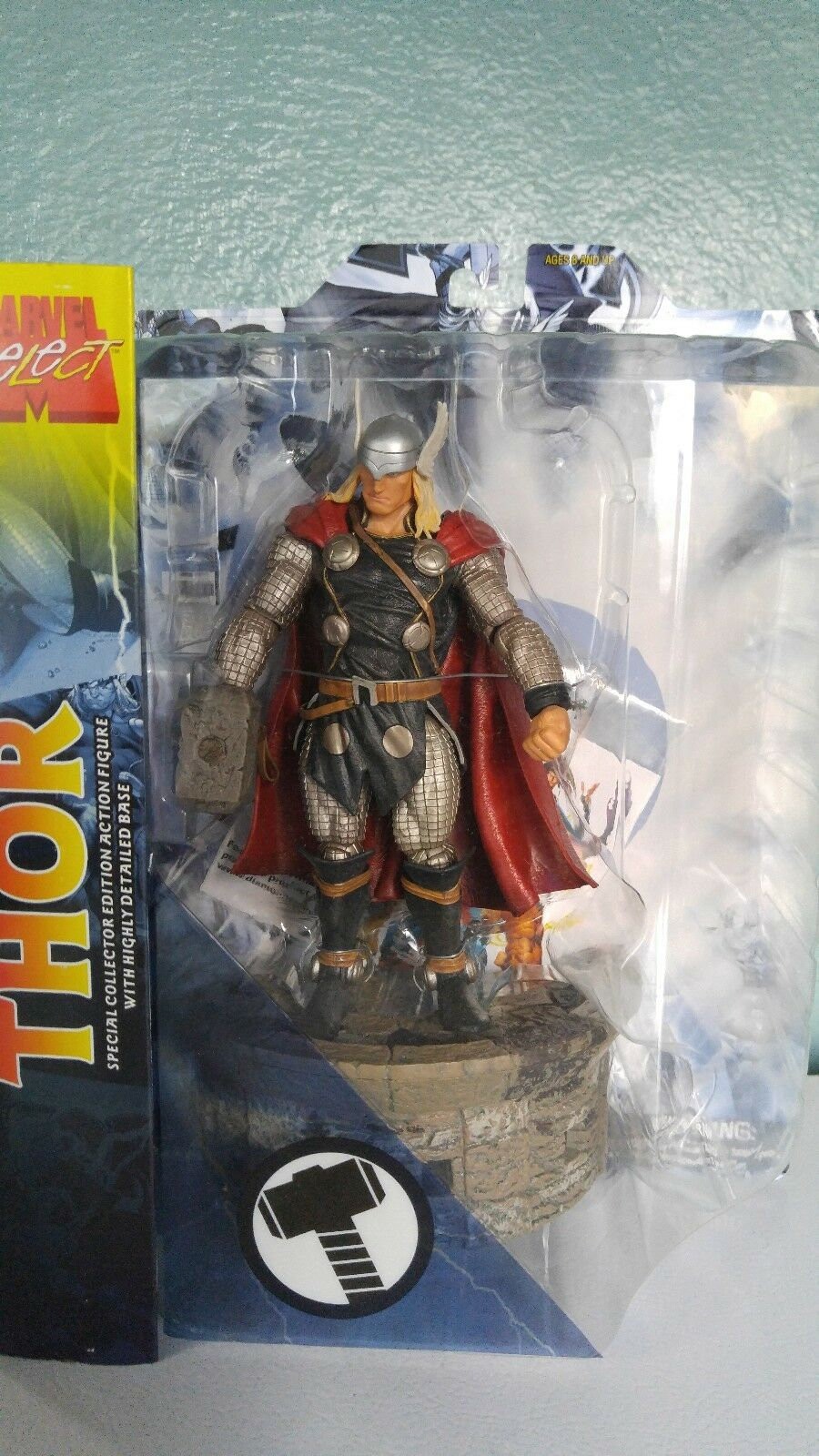 MARVEL SELECT  Thor 8   Action Figure