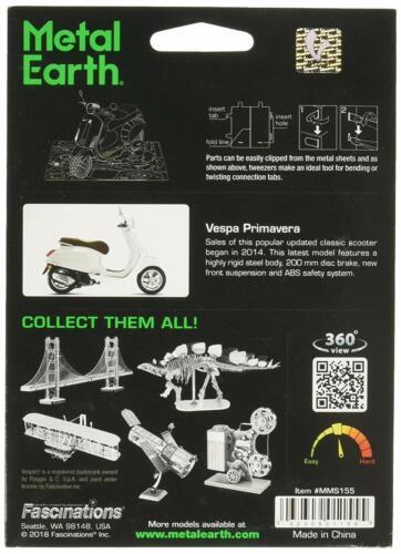 Fascinations Metal Earth Vespa Primavera 150 Motor Scooter 3D Model Kit MMS155
