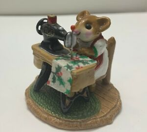 Wee Forest Folk Figurine M-40 Miss Bobbin ** FROM 1979 ** SPECIAL COLOR ** RARE!