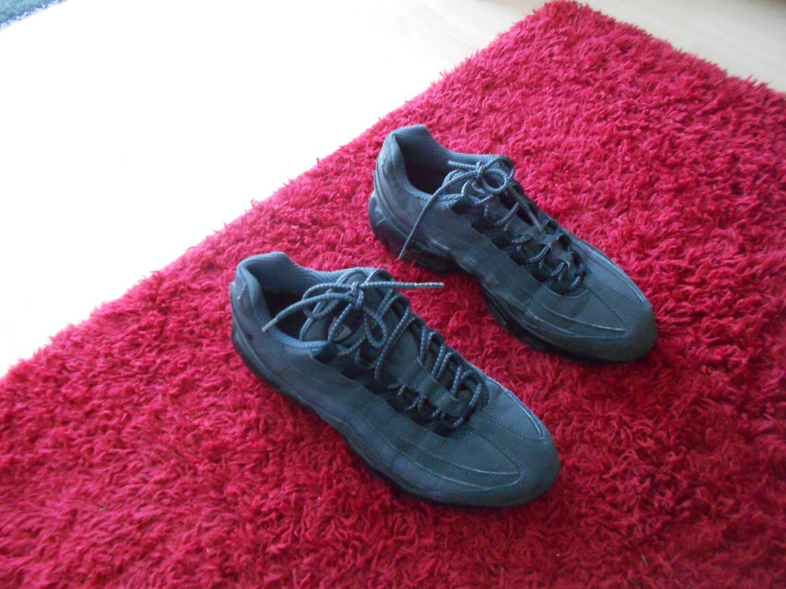 NIKE AIR MAX 95 ESSENTIAL TRAINERS UK SIZE 9 - GREY - IN A GOODISH COND STILL