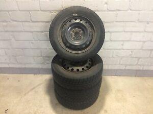 Satz-Stahlfelgen-MIT-Winterreifen-Toyota-Yaris-Michelin-Alpin-DOT-2307-4mm