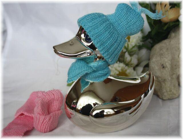 Spardose Ente mit Schal + Mütze für Jungen und Mädchen in blau und rosarot dabei