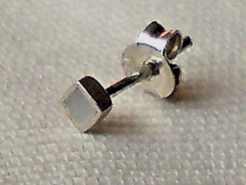 Plata esterlina único cuadrado pequeño /& Madre de Perla 3mm Arito £ 3.50 Nuevo con etiquetas