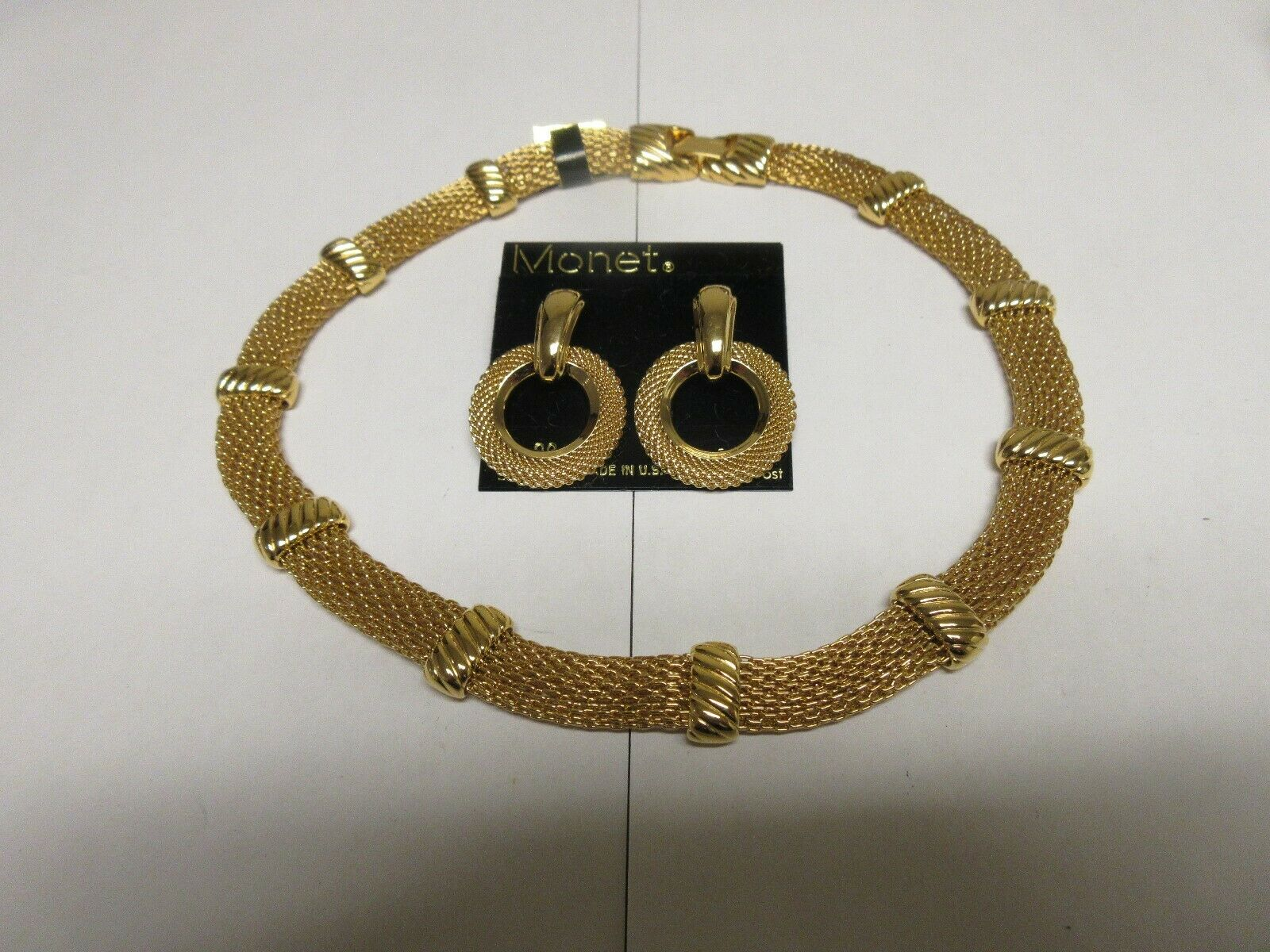 Costume Jewelry ,Vintage , Necklace (Carnegie Hill) , E