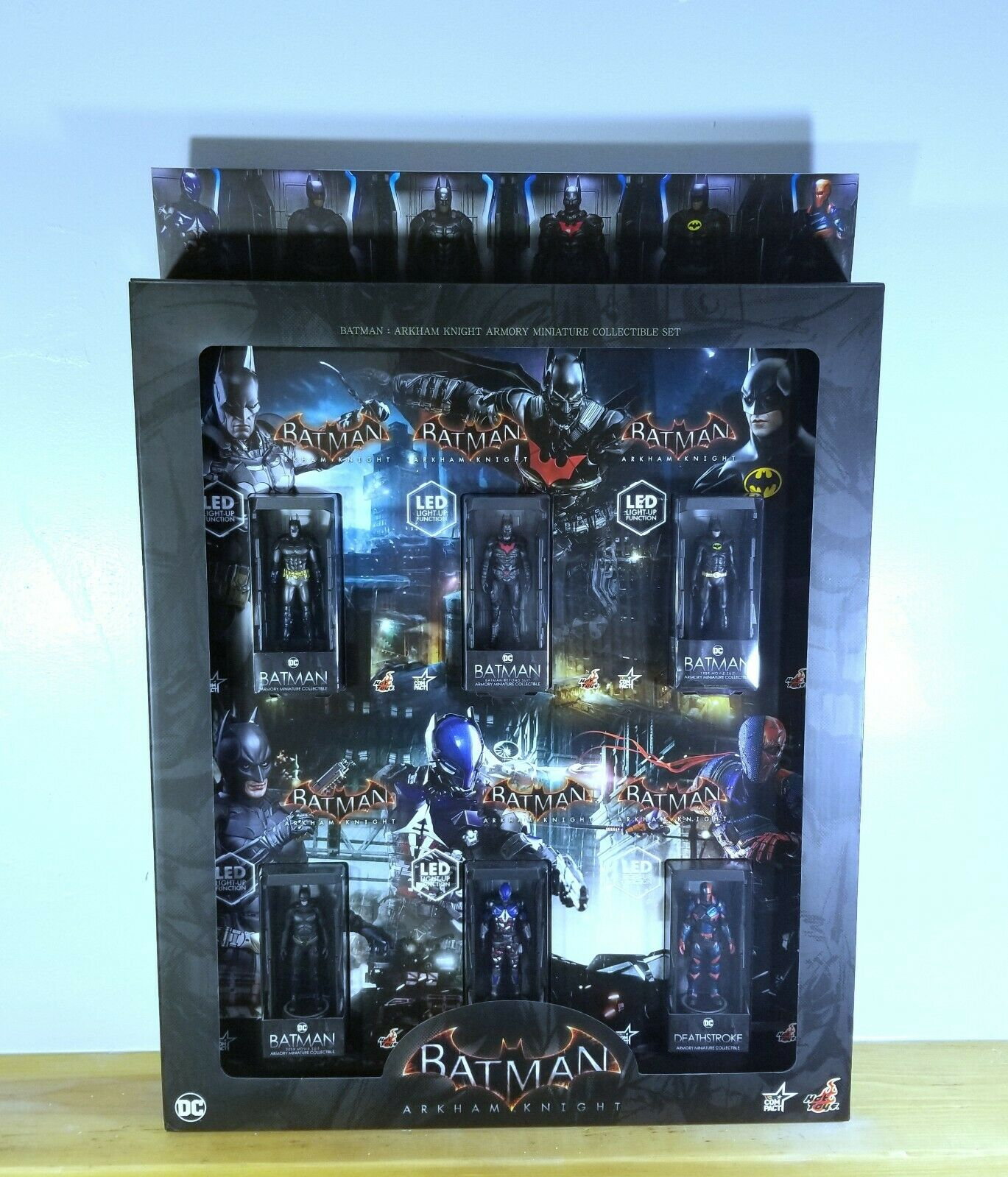 Hot Toys Batman Arkham Knight Armory Minature Collectible Set DC NIB on eBay thumbnail