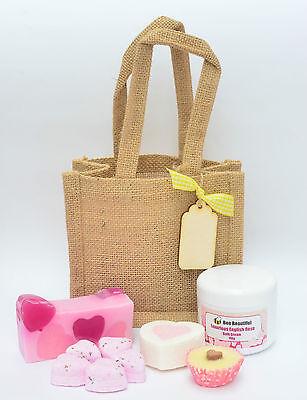 Bee Loved Gift Bag - Bath Bombs, Soap & shower cream for teacher present