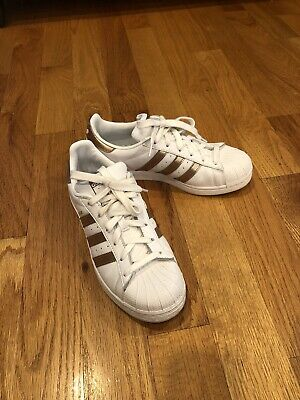 Cría llenar tablero  womens adidas superstar size 8 Rose Gold Stripes | eBay