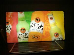 Grande-insegna-luminosa-bacardi-breezer-sign-advertising-pub-locale