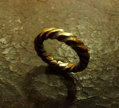 Bronze ring Sylph hand-carved twisted branch