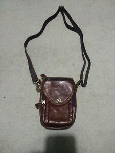 Sacoche / Pochette en cuir vintage / ceinture épaule coloris marron