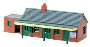Peco-NB-12-N-Gauge-Brick-Country-Station-Building-Kit
