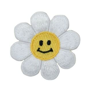 LARGE Daisy White//Smiling Face//Flower Iron on Applique//Embroidered Patch