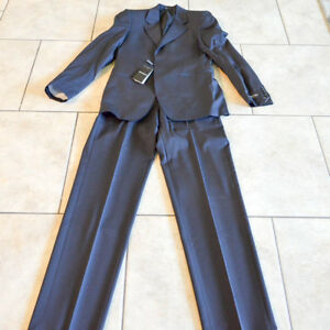Emporio-Armani-Men-039-s-Black-pinstripe-100-Virgin-Wool-Two-Buttons-Suit-US-36