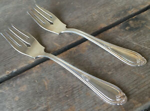 2-Salad-Forks-Reed-amp-Barton-Corsican-1926-Plumes-Silverplate-82108-Silver-Plate