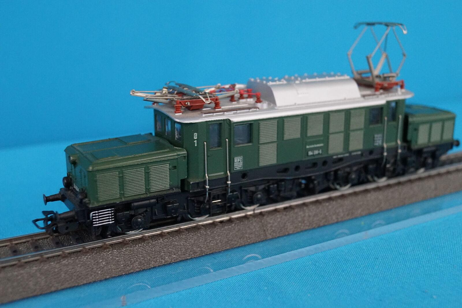 Marklin 3022 DB Electric Locomotive Br 94 verde Version 3