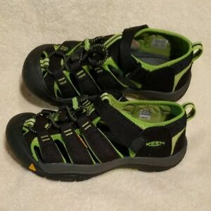 e05b04f50 Keen Newport H2 Waterproof River Beach Sandals Big Kids Size 3 Black ...
