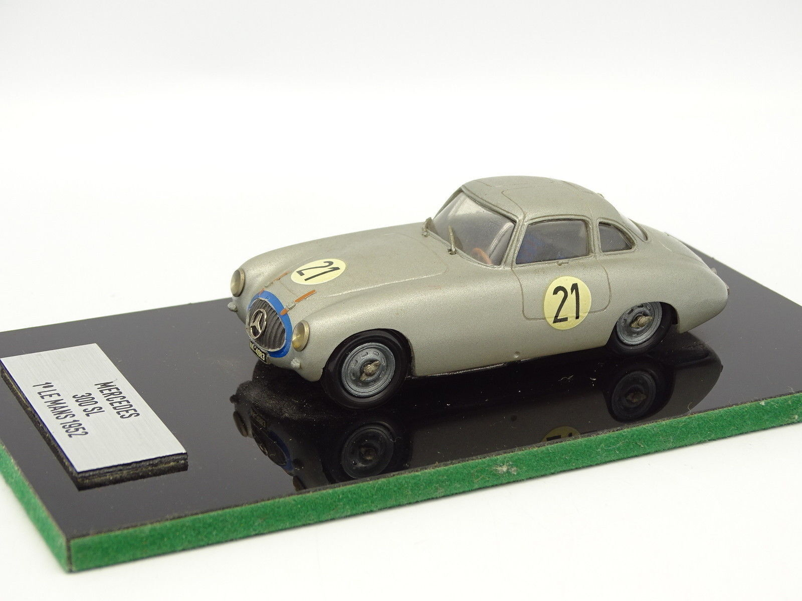 Rétro Bolides Kit Monté 1 43 - Mercedes 300 SL Winner Le Mans 1952