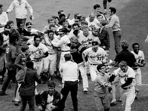 BALTIMORE ORIOLES CELEBRATE CLINCHING 1970 WORLD SERIES 8 x10 2 | eBay