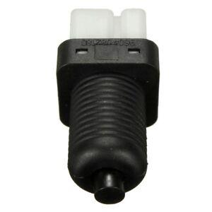 BRAKE-LIGHT-STOP-SWITCH-2-pin-per-PEUGEOT-106-206-306-307-405-406-Expert-45-S6D8