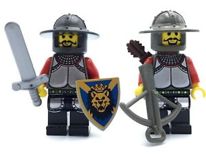 LEGO LOT OF 1 KNIGHT MINIFIG CASTLE KINGDOMS LION FIG W// WEAPONS