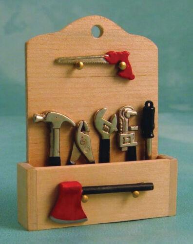Outil etagere murale avec outils maison de poupées miniatures marteau tournevis etc.