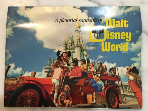 A pictorial souvenir of Walt Disney World 1970's – Collectible