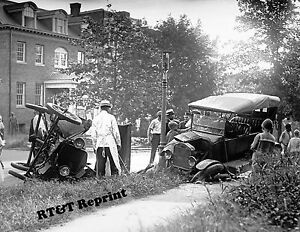 Details about Photograph of Car Wreck Street Accident in Washington DC Year  1922 8x10
