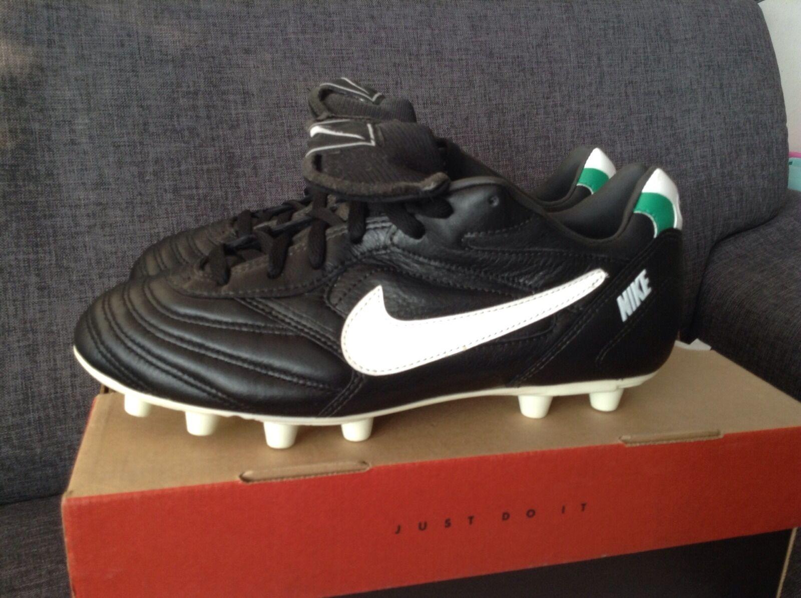 Nike Eurostrike M Vintage Deadstock Football boots soccer Ronaldo r9