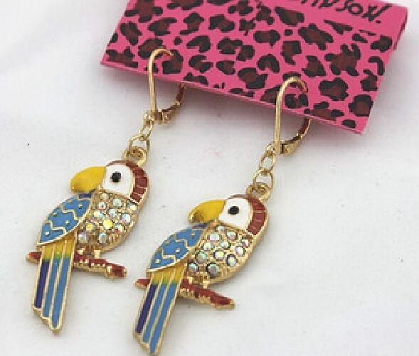 E186 Betsey Johnson Rio Amazon Parrot Macaw Parakeet Earrings US