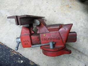 Vintage Columbian D44 M2 4 Jaws Swivel Base Bench Vise