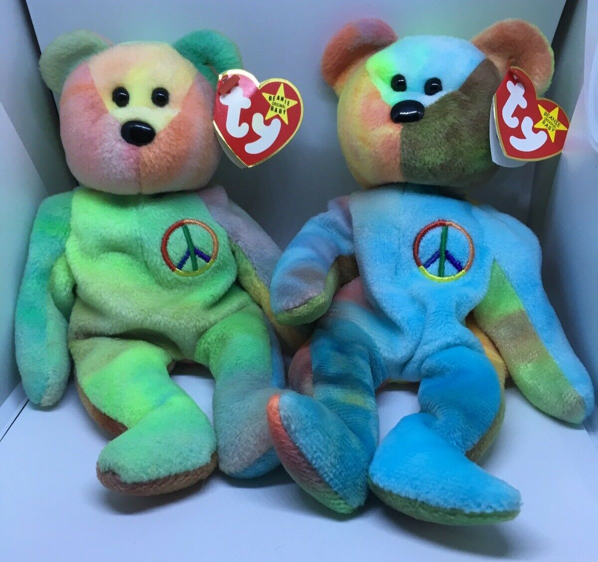 RARE Set Of 2 Peace (1996) Ty Beanie Babies Baby Bear Retired Errors Size Tags