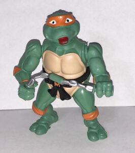 Teenage Mutant Ninja Turtle Michael Angelo Poseable Plastic Figure TMNT15