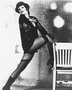LIZA-MINNELLI-AS-SALLY-BOWLES-FROM-Poster-Print-24x20-034