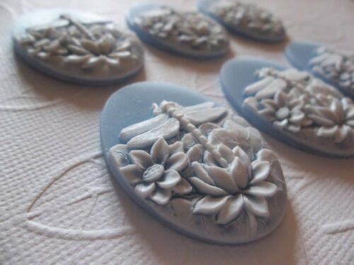 25X18mm Resin Cabochons Qty 6 White Dragonfly /& Lotus Flowers on Blue Cameo