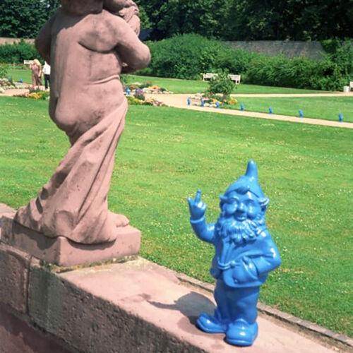 Sponti Zwerg Stinkefinger Flip him the bird Plastik Sculpture by Ottmar Hörl