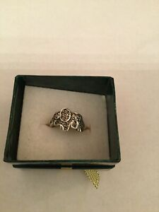Hallmarked-925-Silver-marcasite-elephant-Unique-ring-Ring-Size-o