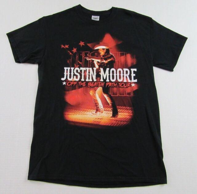 """JUSTIN MOORE """"Off The Beaten Path Tour"""" Souvenir Concert"""