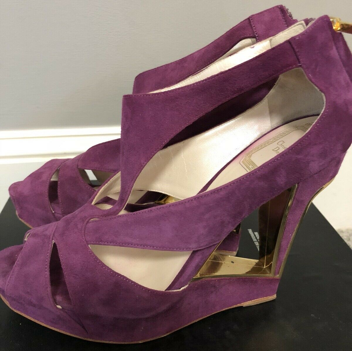 Stunning lila Couture Suede Sandals by Christian Dior Gold heel sz 38 US 8