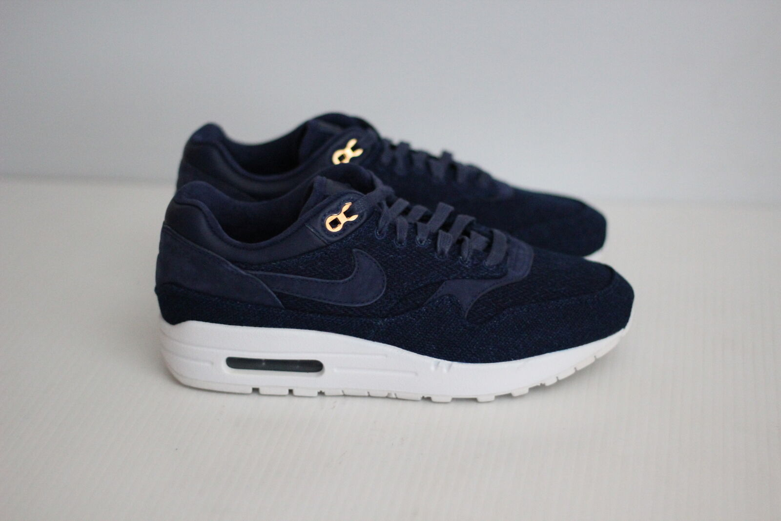 Nike Womens Air Max 1 Lux London Cloth - Binary Blue / White - 8 US  (B87)