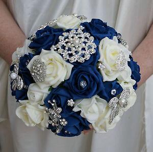 Bouquet Sposa Rose Blu.Mazzolino Di Fiori Nuziale Bouquet Blu Scuro E Avorio Rose Con