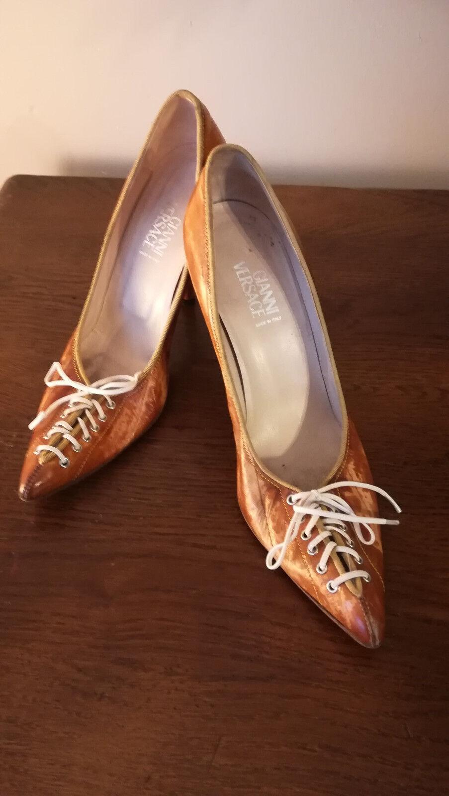 Zapatos ESCARPINS  GIANNI VERSACE - CUIR Color marrón marrón marrón CLAIR - POINTURE 38  a la venta
