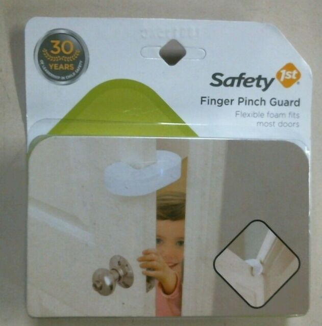 2 Pack Finger Pinch Guard by Safety 1st  Flexible Foam For Most Doors  Free Ship