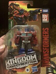 Transformers War For Cybertron: Kingdom Optimus Prime Core Class Figure